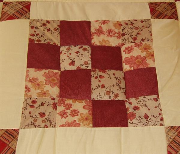 Quilt rot karo tollezeit for Salon patchwork